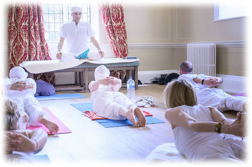 Vasken teaching kundalini yoga
